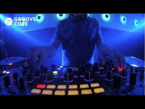 Groove Cube LIVE with Ronnie Spiteri