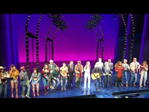 Mark Wallengren - Bryan Adams Surprises Broadway Audience With Performance On Pretty Woman