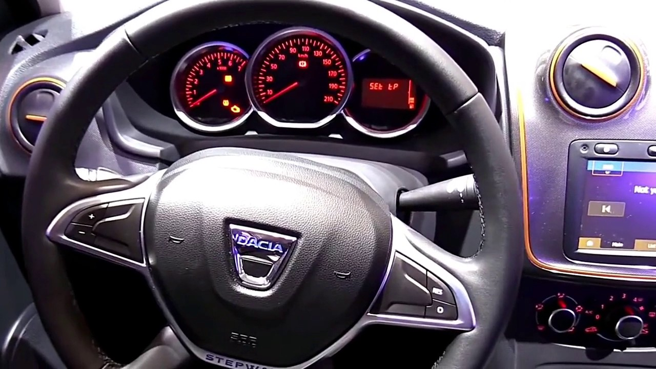 2017 dacia sandero stepway limited colors luxury features for Dacia sandero interior