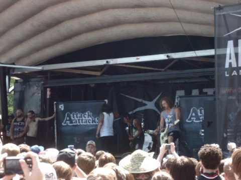 Attack Attack! - Smokahontas (Featuring Cassadee from Hey Monday) - Live @ Warped 08/02/10