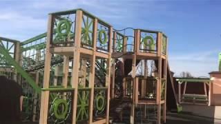 Смотреть видео Как мы веселились на фонтанах в Питере! онлайн