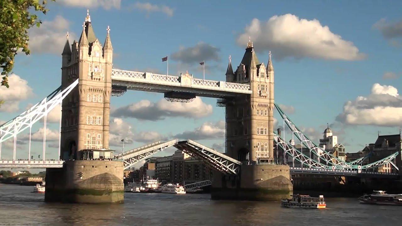 倫敦鐵橋垮下來 - YouTube