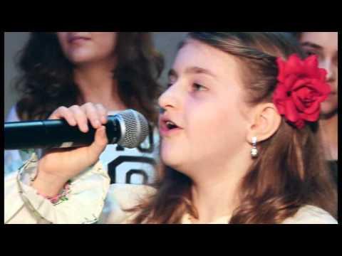 Diana Damian    Canta cucu in Bucovina(cover ) la    Gala eMenTi