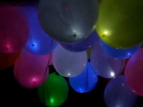 2cec9843daf 1000IDEIAS -Balões com led