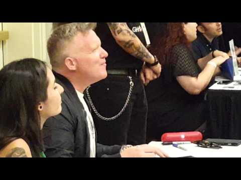 Anthony Micheal Hall signing autographs