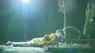 Bizar beeld uit Venlo: man ligt urenlang buiten met sissende granaat - RTL NIEUWS