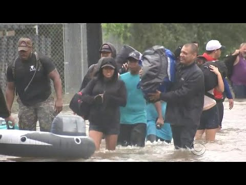 Some evacuees bused from Houston to San Antonio