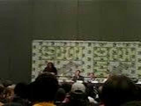 "Jess Harnell sings ""Wakko's America"" at Comic-Con 2006"