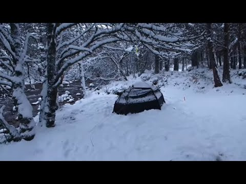 WINTER WILD CAMPING IN THE WOODS CAMPFIRE COOKING CAIRNGORM SCOTLAND