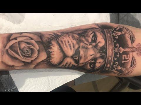 Blanco Y Negro Geometric Tattoo T