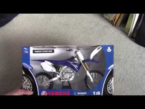 Unboxing a 1:6 scale model dirtbike