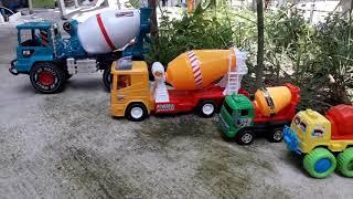 Cement mixer truck toy รถผสมปูนซีเมนต์ของเล่น