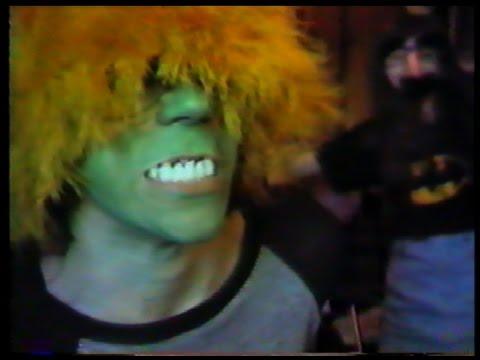 Werewolves Of London FAN VIDEO 1989 Warren Zevon music video --(Weird Paul)