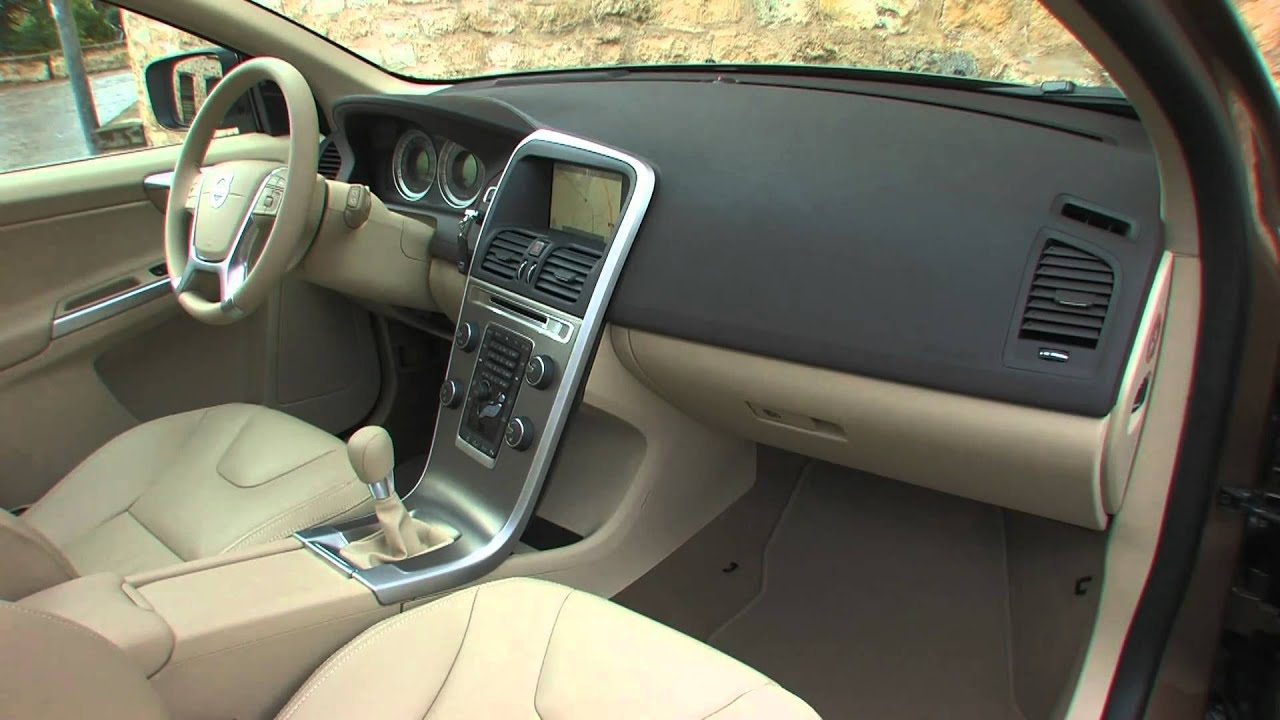 Essai volvo xc60 d3 drive x nium 163ch youtube for Volvo xc60 interieur