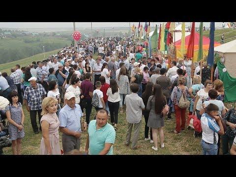 """UTV. Несколько тысяч человек приехали в Татышлинский район на праздник """"Тыуган аулым"""""""
