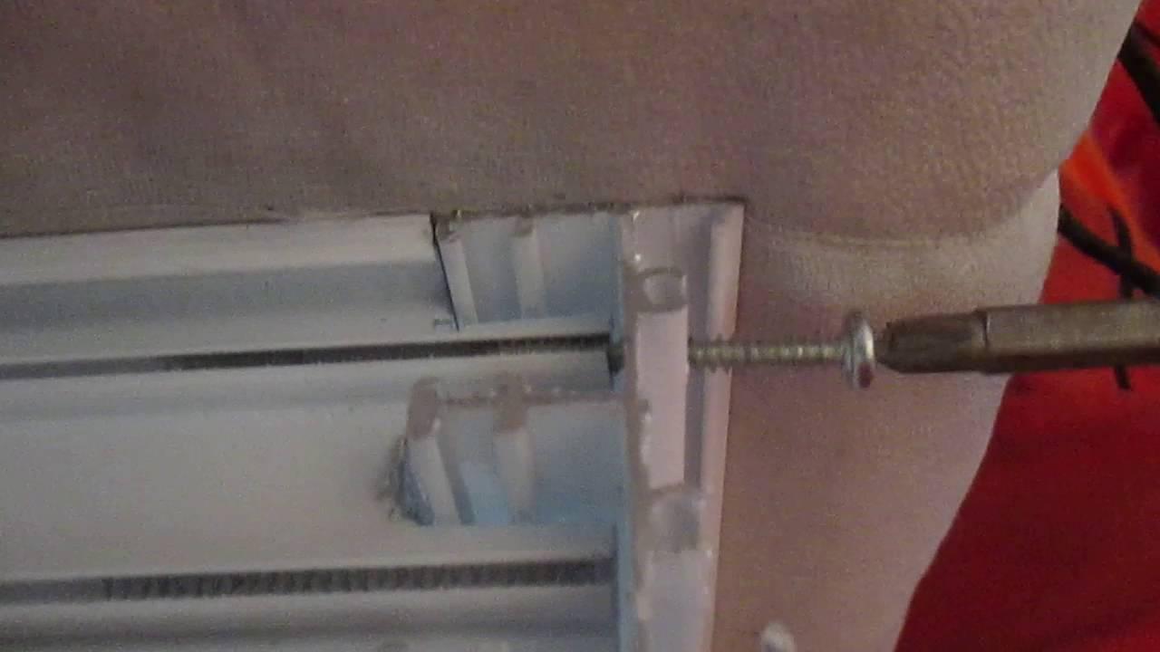 Enzamblando piezas de aluminio para hacer ventana de for Como fabricar ventanas de aluminio