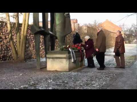 Ehrung für Karl Liebknecht und Rosa Luxemburg in Luckau, Januar 2013