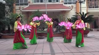 Mùa xuân em đi lễ chùa.BD Hồng Bé &tốp nữ hội sống khỏe sống vui TP HD