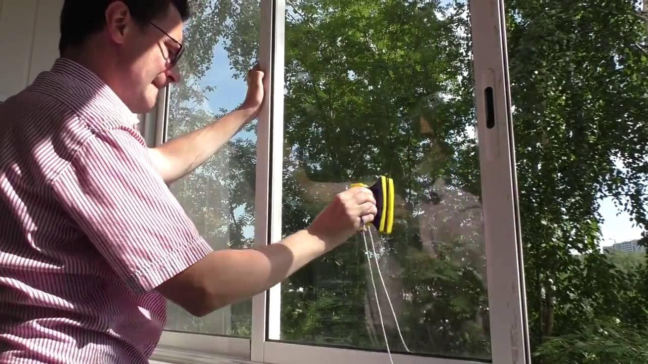 Магнитная щетка для мытья окон работает?