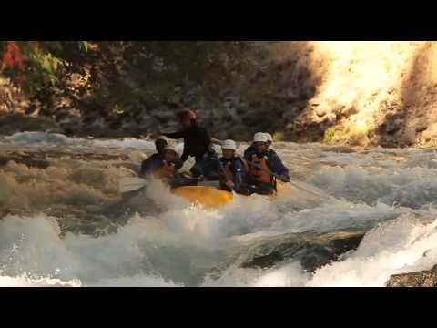 White Salmon River Rafting Action in Washington - Wet Planet Whitewater
