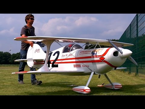 HUGE RC PITTS SPEZIAL S1 SCALE 1:2 MODEL AIRPLANE DEMO FLIGHT / Pitts Meeting Vechta Germany 2016