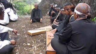 Bunga Tanjung: Sunda music at Nagara Padang pilgrimage