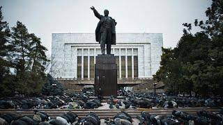 Советские ужасы: старые большевики ползут к Ленину