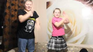 Дети танцуют очень смешное видео