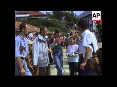 Bosnia - Zepa Surrender To Mladic/ Refugees