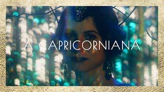 A CAPRICORNIANA | Zodíaca – O Monólogo Definitivo de Cada Signo