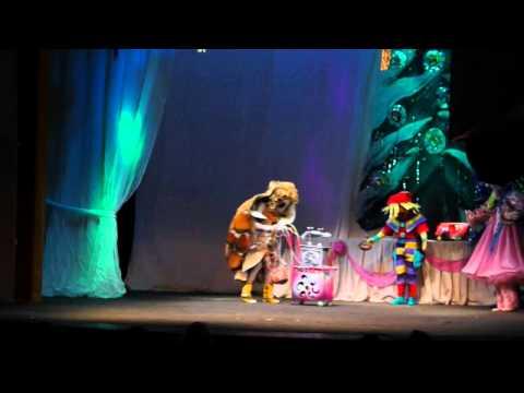 Детский праздник в театре сказки.avi