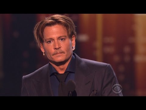 Johnny Depp Gets Emotional Thanking Fans At People's Choice Awards