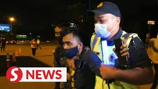 Undocumented Indonesian man detained by JPJ at roadblock