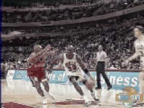Michael Jordan reverse layup vs Philadelphia Sixers - NBA Regular Season 1995/1996