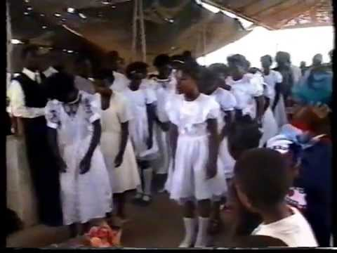 Bautismo en Chokwe Mozambique