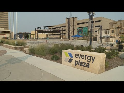 Evergy begins rolling blackouts for Kansas as regional power supply ...