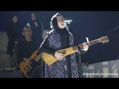 nissa-sabyan-feat-annisa-sabyan---ya-habibal-qolbi-(live-konser-indonesia-sejuk)