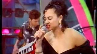 Ngaire - To Sir With Love (live 1990 TV appearance)