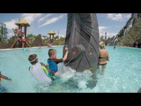 [4K] Tapu Tapu Interaction Number 1 - Volcano Bay Orlando, FL