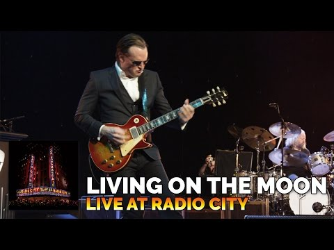 """Living On The Moon"" - Joe Bonamassa - Live At Radio City Music Hall"