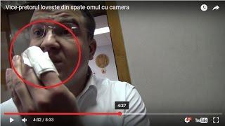 (FULL VIDEO) Vice-pretorul lovește din spate omul cu camera. A vut să vadă reacția