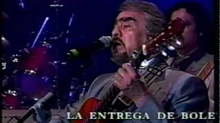 Marco Antonio Vázquez -ME DAS UNA PENA-May-2003-..mpg