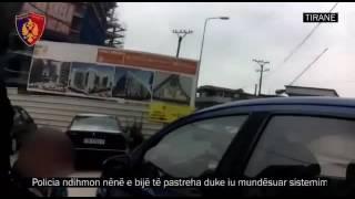 Policia ndihmon nene e bije - policia e Tiranes