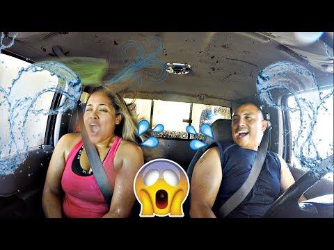 NOS METIMOS A UN AUTO LAVADO CON LAS VENTANAS DEL CARRO ABAJO! | LOS NIÑOS YA CASI NADAN! VLOGS #111
