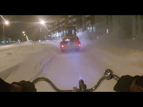 Bicycle path winter maintenance in Oulu, Finland [HD]
