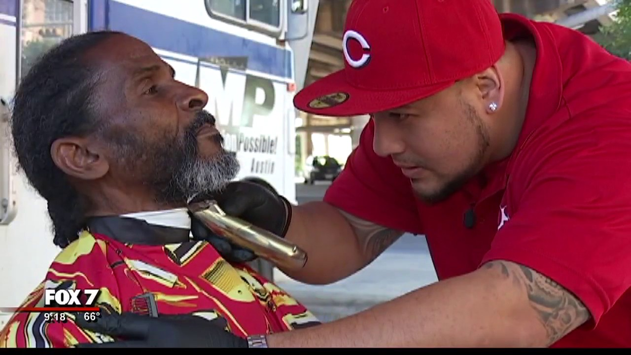 Austin Barber Gives Free Shaves And Haircuts For Homeless Men 4