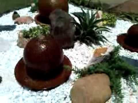 Jardin en seco con fuentes en esferas youtube for Jardines con fuentes