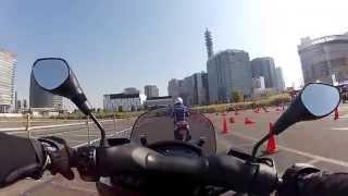 ヤマハの三輪バイクトリシティの試乗会、後半は自分が運転しています.