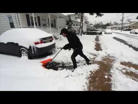 Ivation Dual Angle Snow Pusher – Manual Push Plow