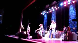 Dwight Yoakam - talks with audience - Horseshoe Casino - Tunica, MS 02/05/11
